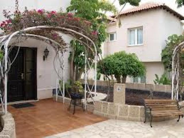 - 3 bed villa with pool, Chayofa, Tenerife